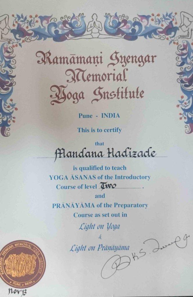 مدرک مربی گری یوگا آینگر از پونه هند